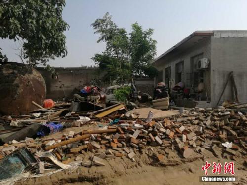 河北大贤村受灾现场。 张鹏翔 摄