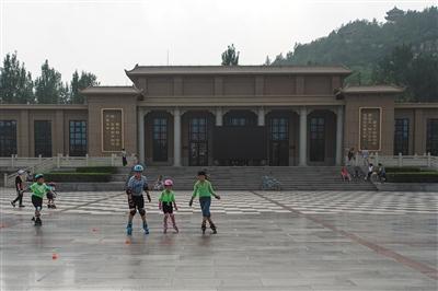 7月22日,唐山博物馆(原唐山工人文化宫)。 新京报记者 王子诚 摄
