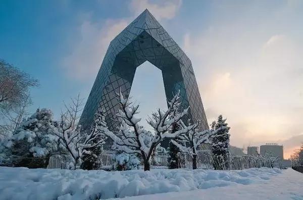 北京:城市生产总值(GDP)5451.9亿,GDP增速6.9%,GDP增速排名76位。