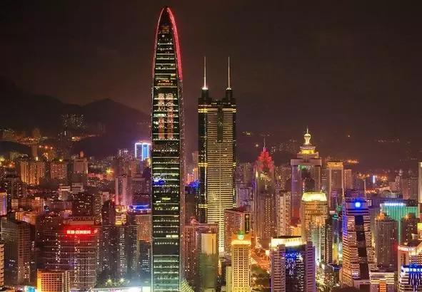 深圳:城市生产总值(GDP)3887.9亿,GDP增速8.4%,GDP增速排名33位,自改革开放以后,这里涌现出一批批创业者,像华为、腾讯、富士康等大公司都是在深圳有根基,不过现在深圳有饱和迹象,年轻创业者去深圳选择创业难度较大,总之大都市共同点就是生活起来节奏快,比较累。
