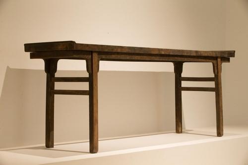 识别区:中国・丹麦家具设计展览现场 独板条案 14~15世纪 榉木 222x56x84cm