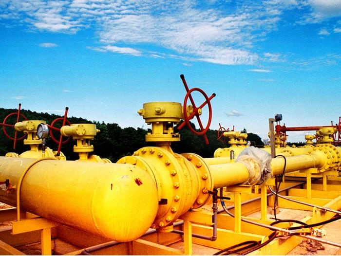 据国外石油网站Oilprice报道,近期德鲁里航运咨询有限公司的一份最新报告显示,液化天然气的市场在未来几年将会更加繁荣,但天然气油轮的数量可能不足以应付预期的需求。