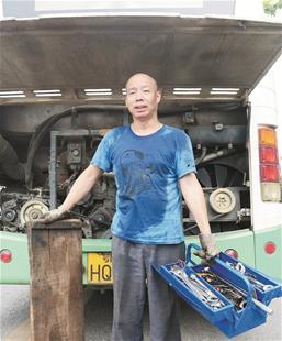 图文:用脊背测量武汉的夏天
