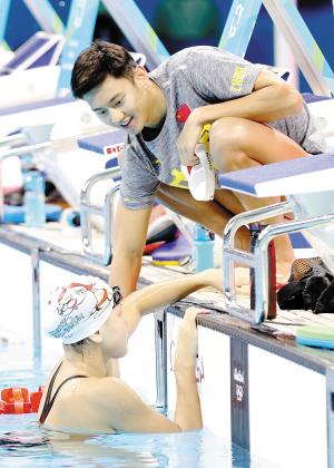 在里约奥运会期间,游泳决赛将从当地时间晚上10点开始,一直进行至深夜图片