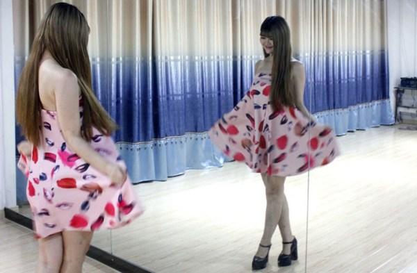 中国制造女子团体的日常:兼职网络女主播