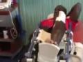 视频-登巴巴抵达卡塔尔进行康复治疗 已拆除石膏