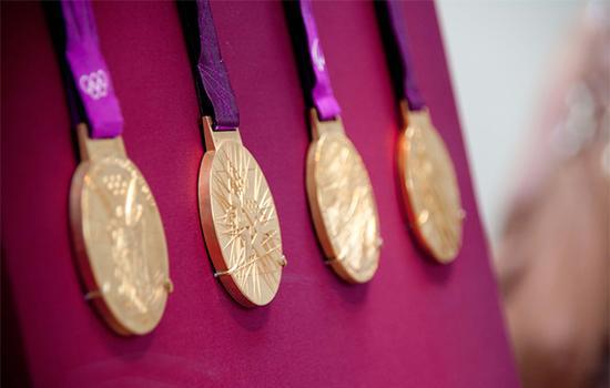 大英博物馆展出的2012伦敦奥运会奖牌 。 资料