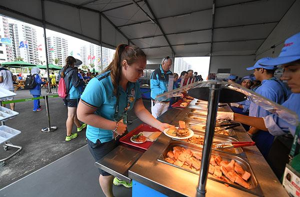 奥运村开始供应日常食物。