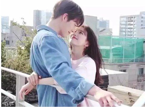 传言:正在韩中两地同步播出的电视剧《任意依恋》主演金宇彬和秀智原定于6日在中国举行粉丝见面会,但活动被延期。