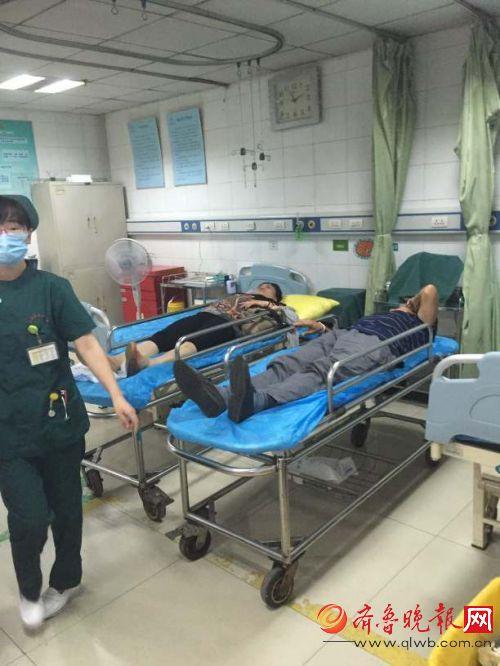 济南两公交车追尾11人受伤 疑因司机开车走神