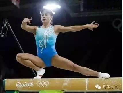 1992年,17岁的丘索维金娜首次参加奥运会,就夺得女子体操团体冠军。
