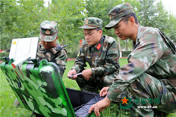 武警部队在新疆亮大动作 3000余官兵出动图片