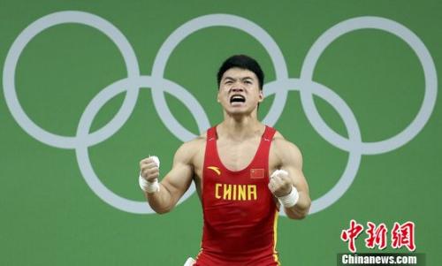 """在下一届东京奥运会能看到你吗?""""必须的,从明年的世锦赛开始,我得开始表现自己了。""""田涛称,以后的比赛,他不能再有那么多的顾虑。""""我是一个有实力的人,但有时候为了冠军,开把开低了的话不能保持兴奋(的状态),以后应该改变自己的战术。"""""""