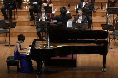 90后钢琴家姚依 蓝色狂想曲 亮相国家大剧院