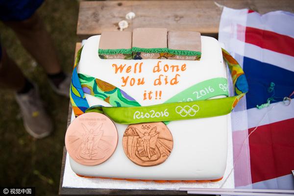 """家人为 Ed Ling 定制了""""奥运版""""蛋糕"""