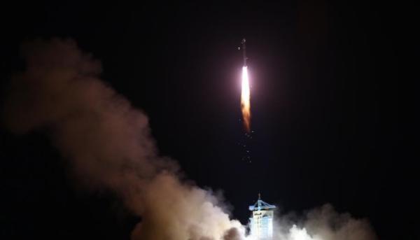"""世界首颗量子科学实验卫星""""墨子号""""发射升空。"""