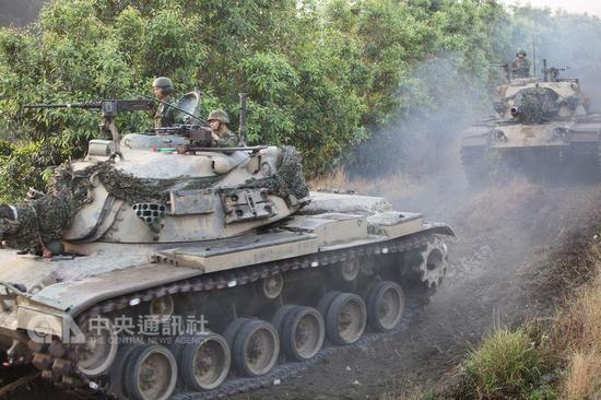 台陆军战车