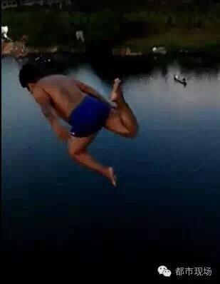 17岁少年模仿奥运跳水 25米高桥跳下致胸椎骨折