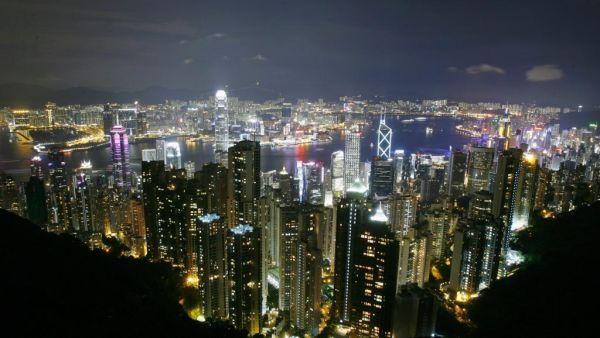 资料图片:香港夜景俯瞰。(路透社)
