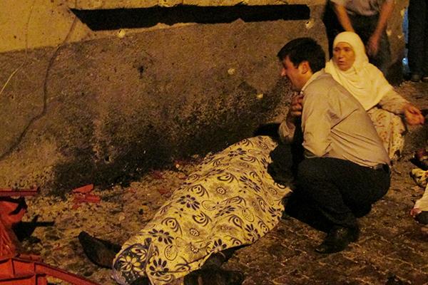 当地时间2016年8月21日,土耳其加济安泰普,当地市中心的一个婚礼现场遭爆炸袭击。