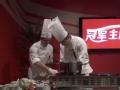 视频-体操老将张成龙厨艺初体验 亲手烹制佳肴