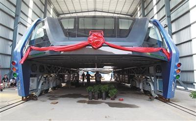 8月3日,巴铁1号实验车,在河北秦皇岛北戴河区表态。图/视觉国家