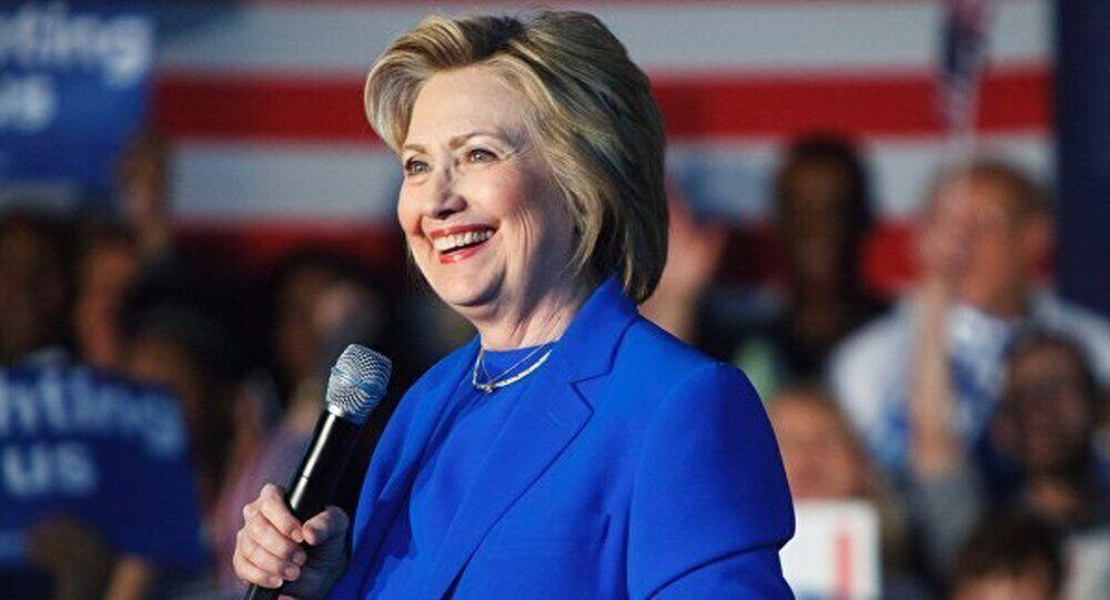 """【环球网报道 记者 朱佩】据俄罗斯""""卫星""""新闻网8月23日消息, 美国共和党总统候选人唐纳德・特朗普表示,美国政府应任命特别检察官调查希拉里・克林顿案件。"""