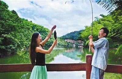 四川市民家中教女11年引争议 称已经有研究成果