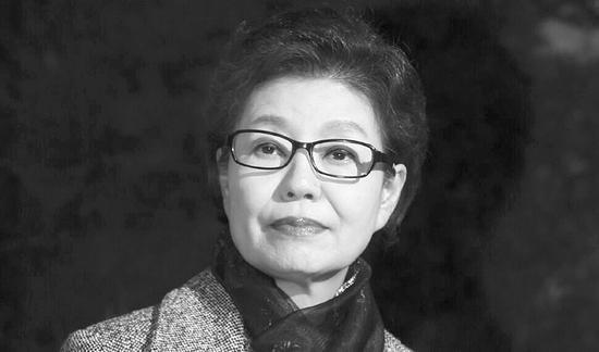 【环球时报综合报道】韩联社23日称,据韩国检方和司法部门人士透露,总统朴槿惠的亲妹妹朴槿令(如图)日前因涉嫌诈骗被提起公诉。