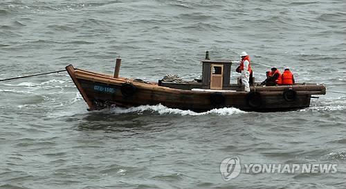 2011年2月5日经黄海南下投靠韩国的朝鲜人所乘5吨级小型木船。