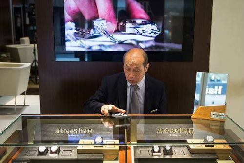 中国 奢侈/中国富人不再想要奢侈手表...