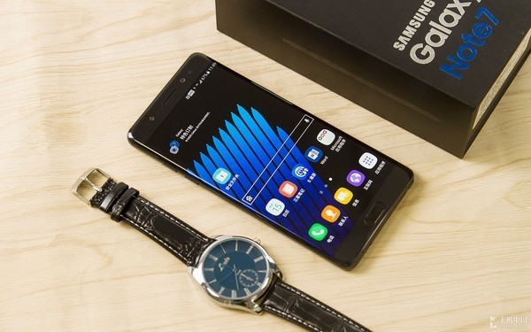 设计决定体验 大屏手机同样兼顾好手感第6张图