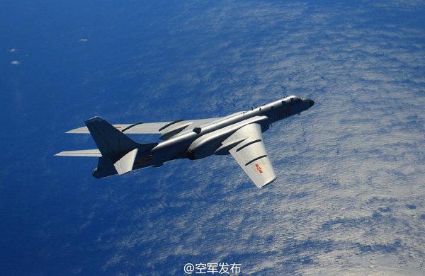 轰6K在南海上空巡逻