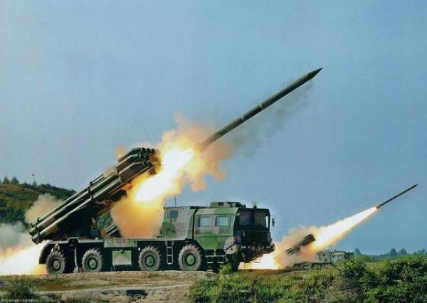 解放军PHL-03远程火箭炮