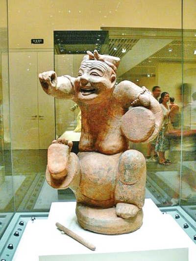 汉代俳优陶俑图片