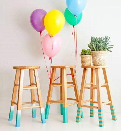 实用、漂亮纹理与上好材质兼备的话,家具价格绝对不低。如果你对到手的家具质感不太满意,那么不妨用油漆来补救。如果是觉得木纹不理想,可以试试用心水颜色的木器漆来改变,如果认为造型太过普通,那么还可以用喷漆来打造拼色效果。