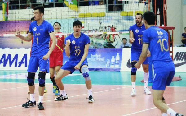 男排亚俱杯-决胜局13-11丢4分 上海2-3日本第四