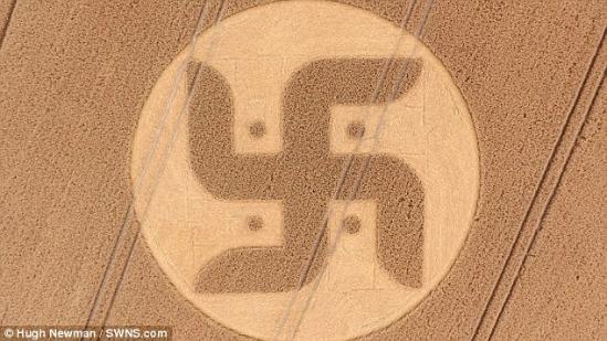 英国麦田怪圈 是纳粹记号还是印度佛教符号 组图