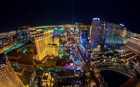 拉斯维加斯大道上的许多大型赌场酒店,像米高梅,永利和威尼斯人等