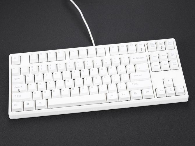 TBKB 87 Classic 机械键盘采用Cherry MX轴体,拥有青红黑茶四种轴体可供选择!支持全键盘DIY改灯,并且带有多动灯光模式,全键盘采用高品质PBT键帽,让整个键盘低调朴实却又不失一些多元化的模式。
