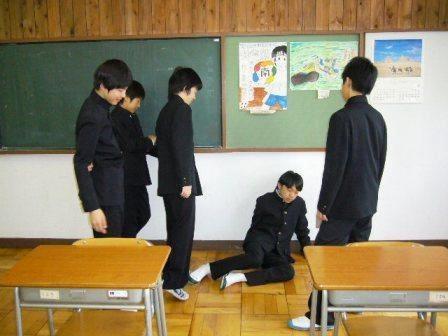 神吐槽:学生愁开学 日本鼓励不想上就休息