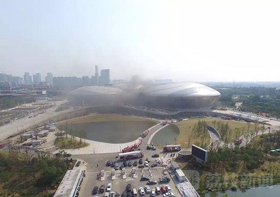 江苏大剧院相隔4月再发火灾 为中国最大现代化剧院