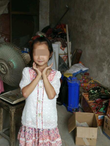 8岁女孩尸体从粪池捞出多处有伤 嫌犯系12岁男孩