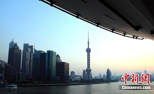 资料图:上海楼市。中新社记者 潘索菲 摄