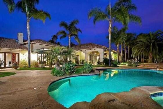 张纪中美国豪宅已转给杜姓女子 价值2672万