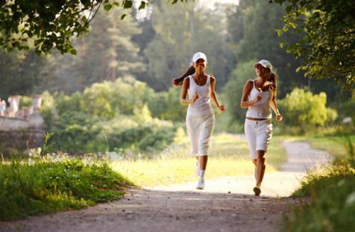 3,间歇v间歇攀爬缓慢地结合通过山路的短距离跑步,够一次性富阳美容减肥焦点图片