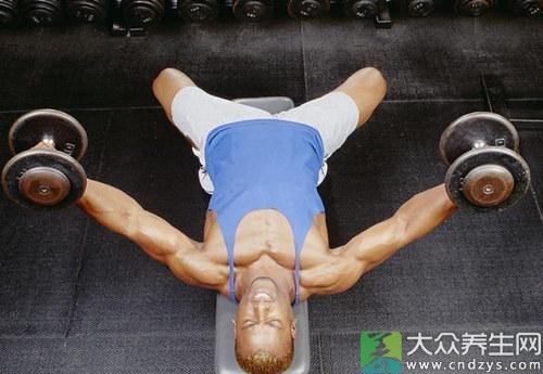 练习方法:身体直立一腿支撑体质较弱的可扶支撑物,另一小腿绑上沙袋或别的重物,做前踢腿动作,踢的高度应与上体形成直角,踢5-10次后,再换另一腿继续进行。
