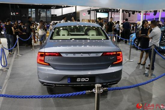 人民网直击2016成都车展 沃尔沃全新S90正式上市