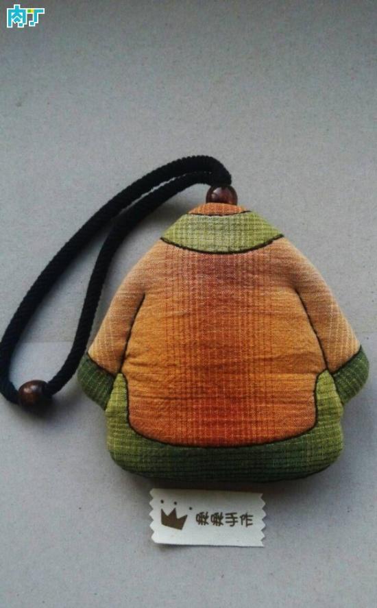 小哏啾儿:简单实用复古衣服钥匙包手工布艺教程