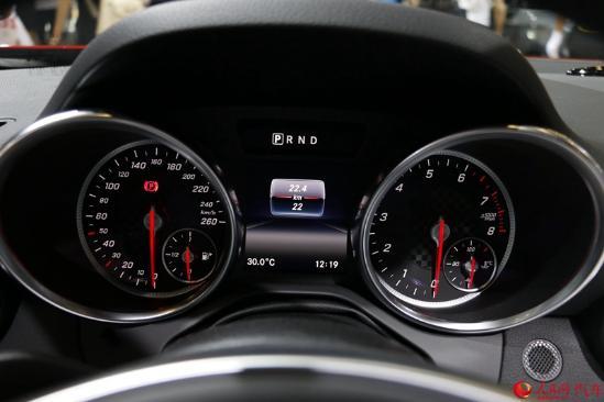 人民网直击2016成都车展 梅赛德斯-奔驰新款SLC正式上市
